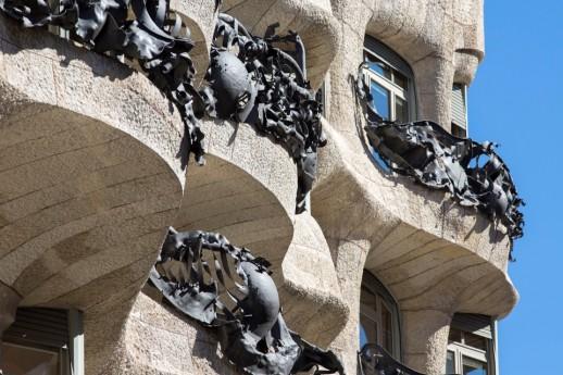 Detall de la façana de La Pedrera ©Arxiu Fundació Catalunya-La Pedrera